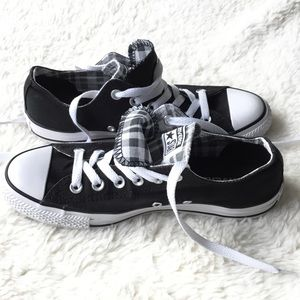 Converse Low Top Sneakers, Size 8